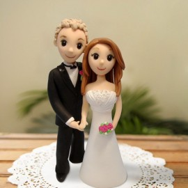 Thirty cartoon wedding cake toppers let you remember many beautiful ...